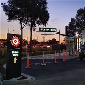 Oporto Cranbourne North Drive Thru