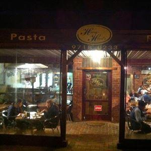 Henry Hursts Pizza & Pasta Restaurant