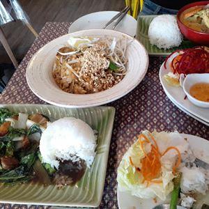 Maa Kinn Bangkok Street Food
