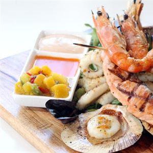 Dock n Dine @ Seasars Seafood Cafe & Bistro
