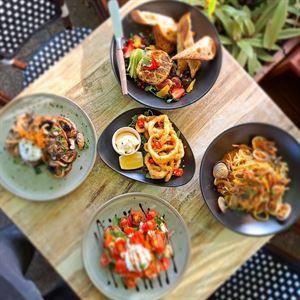 Wood & Stone Cafe