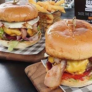 World Burger Casula