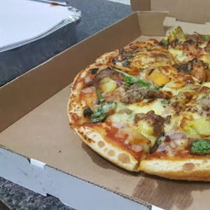 Arnold's Ribs Pizza