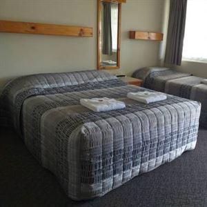 Bucketts Way Motel