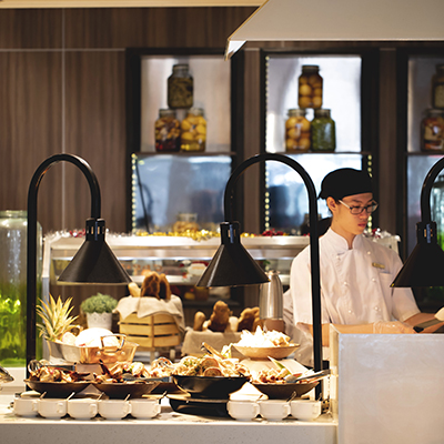 Singapore Buffet Spectacular: Book now and delight in a variety of South-East dishes