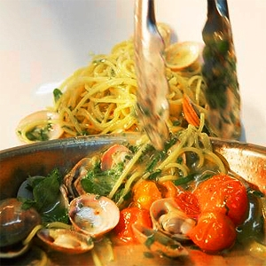 Spaghetti with Vongole and Cherry Tomato