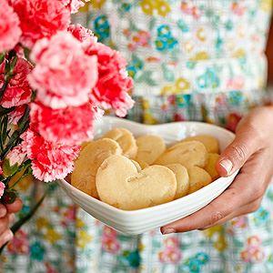 Macadamia Shortbread Hearts