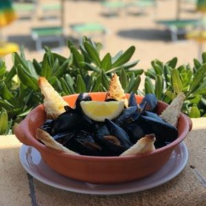 Garlic Mussels - Chef Recipe by Vincenzo Mazzotta