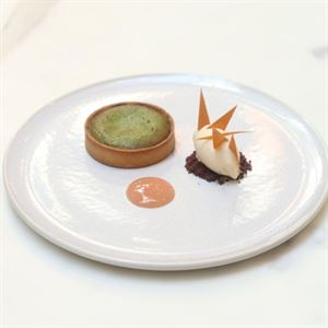 Uji Matcha Lava Tart with Yoghurt Ice Cream and Rhubarb Coulis - Chef Recipe by Raphael Szurek
