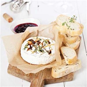 Garlic, Thyme and Conserve Brie or Camembert Dip Spread