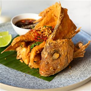 Crisp Snapper, Chilli, Tamarind and Lime - Chef Recipe by Chaowarat Assavakavinvong