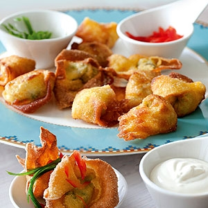 Fried Wontons with Sweet Mayo Dip
