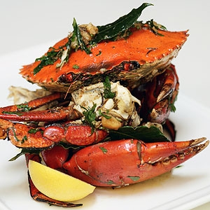 Pot Roasted Noosa River Mud Crab with Roast Garlic Butter