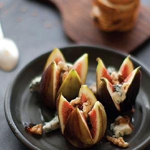 Fresh Figs with Gorgonzola & Balsamic Jelly